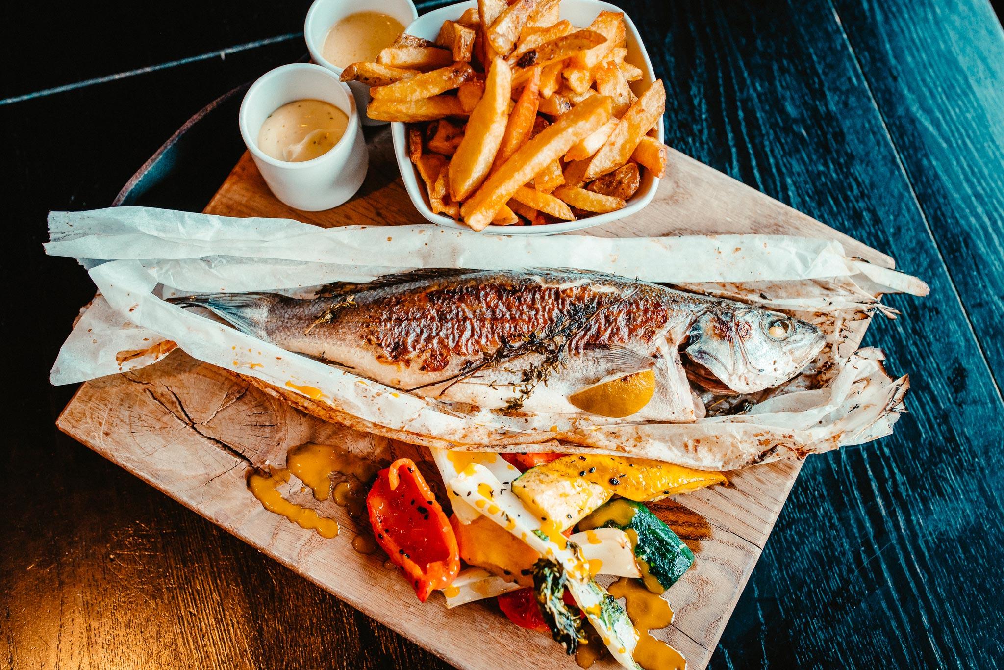 Vis eten bij restaurant Café Arnhem