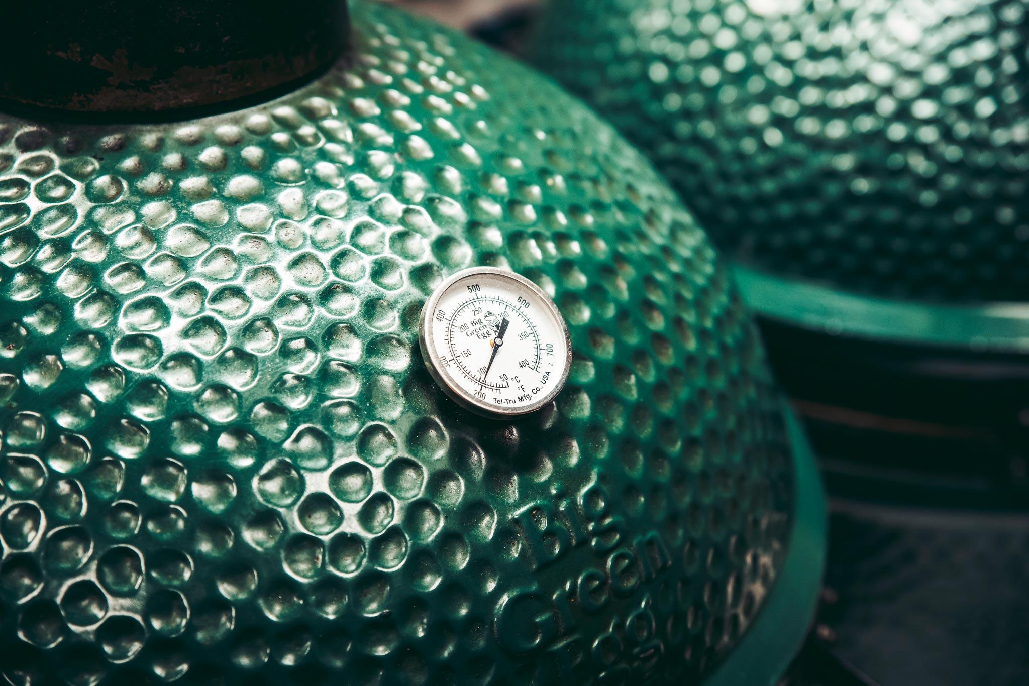 Big Green Egg houtskool barbecue bij restaurant Café Arnhem